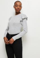 MILLA - Soft touch ruffle sleeve top - grey