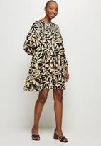 MILLA - Mini smock dress - black & beige