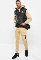 Lonsdale - Sleeveless puffer jacket - black
