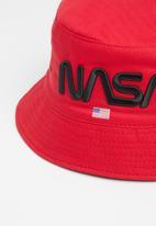 Superbalist - Nasa logo bucket hat - red