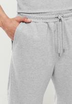Trendyol - Basic top & shorts pj set - grey