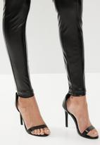 Missguided - Faux leather pin tuck legging - black