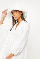 Freya Hats  - Maya wide brim bucket hat - white