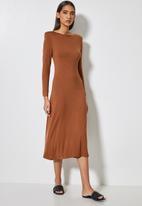 VELVET - Draped neck knit dress with shoulder pad - mink