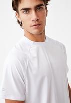 Cotton On - Performance active tech T-shirt - white