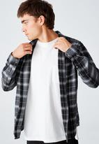 Cotton On - Washed long sleeve check shirt - charcoal gravel check