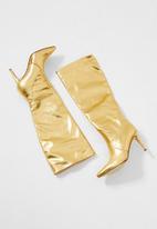 SISSY BOY - Gold dust knee length boot - gold
