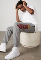 Factorie - Smiley relaxed trackpant - mid grey