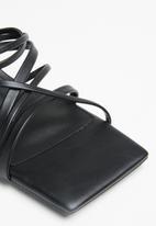 Cotton On - Elle strappy low block heel - black