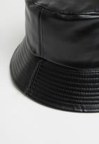 Superbalist - Ari bucket hat - black