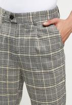 Jonathan D - Logan check trousers - wheat