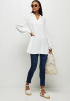 edit - Longline collared linen shirt - milk