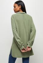 edit - Longline collared linen shirt - fatigue