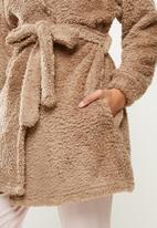 Blake - Fluffy belted robe - mink