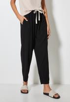 Superbalist - Relaxed trouser - black