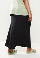 Cotton On - Curve alana midi skirt - black