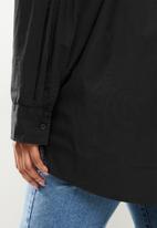 Cotton On - Curve dad shirt - black