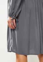 Superbalist - Tie balloon sleeve babydoll dress - light charcoal