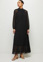 MILLA - Pleated raglan sleeve trapeze dress - black