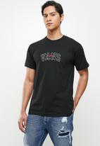 Vans - 66 champs short sleeve - black