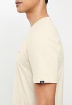 Vans - Left chest logo tee - ecru