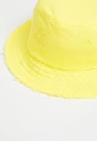 KAPPA - Dylan distressed bucket hat - yellow