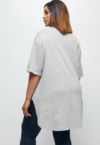 edit Plus - Short sleeve v-neck stepped hem tee - grey melange