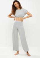 Missguided - Milkmaid crop wide leg pyjama set - grey