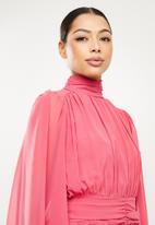 Missguided - The it chiffon batwing ruched mini dress - pink