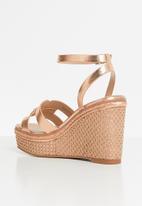 ALDO - Onan wedge heel - rose gold