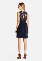 Vero Moda - Hanhong Lacey Dress