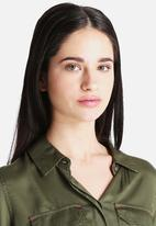 Noisy May - Mona Shirt