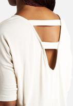 Vero Moda - Grace Strap Back 2/4 Top