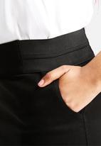Vero Moda - Ella Short Skirt