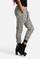 Vero Moda - Just Easy Rib String Pants