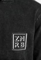 Zanerobe - Cube Hood