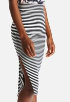 ONLY - Therese Knee Stripe Skirt