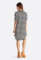 Vero Moda - Cappy Loose Dress