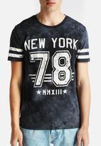 Only & Sons - Nathan Tee