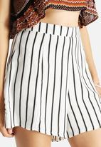 Glamorous - Stripe Short