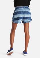 Noisy May - Summer Shorts