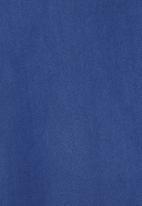 8th Avenue - Exotic Blue Velvet Throw