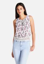New Look - Carrie Paisley Crochet Hem Crop Top