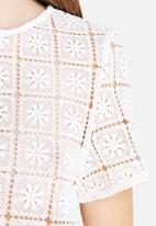 Glamorous - Square Crochet Crop