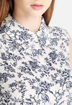 Glamorous - Antique Floral Shirt Dress