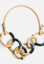 Pichulik - Gold Circle