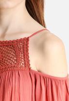 Vero Moda - Bare Shoulders Short Dress