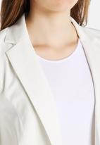 Vero Moda - Wrinkly 3/4 Blazer