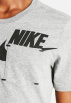 Nike - Nike Tee - Bonded Futura