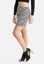 New Look - Zig Zag Jaqquard Skirt
